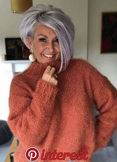 over 50 ash gray purple hair Purple Grey Hair, Grey Wig, Short Grey Hair, Short Hair With Layers, Short Hair Cuts, Inverted Bob With Layers, Short Wavy, Pixie Cuts, Winter Hairstyles
