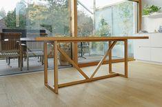 Massivholztisch KT8 mit Fachwerk-Untergestell - palatti Metal Furniture, Furniture Design, Wood And Metal, Solid Wood, Design Tisch, Drafting Desk, Material, Christian, Home Decor