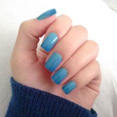 #unhas #unha #esmaltes #unhasfeitaspormim #unhasdecoradas #esmalteazul #amoesmaltes #adoroesmalte #loucaporesmalte #nail #nails #nailsdesign #nailsarts #lovenails #dica #dicadodia #dicasdeunhas #dicadebeleza #ficaadica Unha degradê