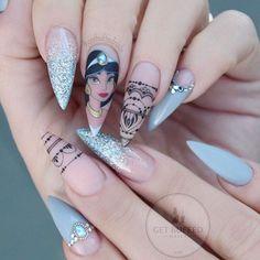 #Flashback Fri-yay ⚡️  Princess Jasmine  I miss her   Who's your favourite princess??   #jasminenails #princessjasmine #disney #disneynails #handpainted #gelpolish