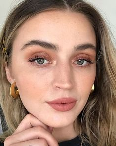 "Allana Davison su Instagram: ""A series of no-filter photos representing the magical @wetnwildbeauty makeup from my latest #FFF video 👀🌟 (link in bio to watch) (not…"""