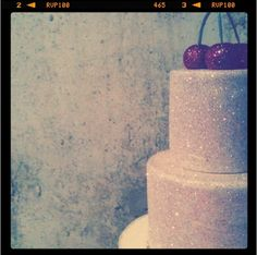 oh me, oh my, glitter cake