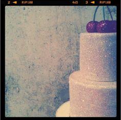 oh me, oh my, glitter cake