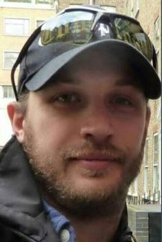 Tom Hardy so pretty
