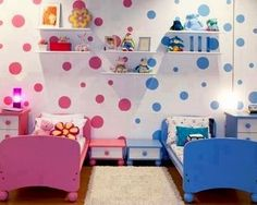 Cute split boy/girl kids' room idea
