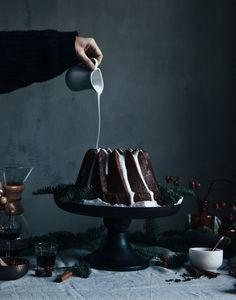 https://flic.kr/p/pUJbKB | Gingerbread bundt cake with lingonberries