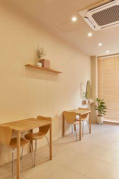 Bakery Decor, Bakery Cafe, Cafe Shop Design, Store Design, Cafe Floor Plan, Cafe Interior, Interior Design, Home Garden Design, Diy Outdoor Furniture