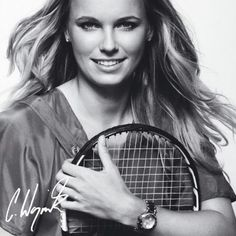 Caroline Wozniacki the young and beautiful Danish tennis player is currently ranked in the world in the WTA singles tennis ranking. Tennis Senior Pictures, Tennis Photos, Senior Photos Girls, Senior Girls, Mode Tennis, Wta Tennis, Sport Tennis, Caroline Wozniacki Tennis, Foto Sport