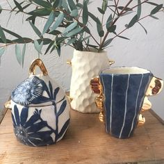 ceramics New pieces with a touch of gold. Stoneware Clay, Ceramic Plates, Ceramic Pottery, Pottery Art, Kintsugi, Pottery Classes, China Art, Clay Design, Paperclay