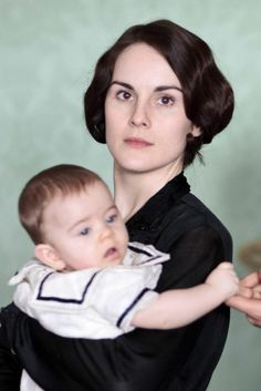 Brand new pictures from Downton Abbey series 4 (Mary and Baby George)