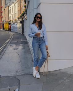 2019 WOMEN OUTFİT COMBİNES # When the weather is very overwhelming, ladies want to dress simple. This simple form of clothing should not lead to roughness. Of course, thinner things will look great in this hot. Casual Work Outfits, Classy Outfits, Chic Outfits, Fashion Outfits, Womens Fashion, Style Fashion, Fashion Styles, Fall Fashion, Paris Outfits