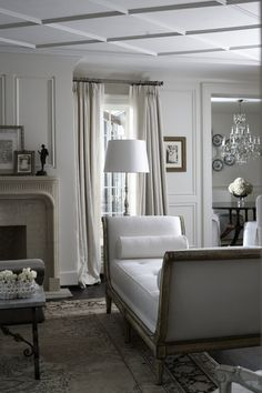 More at: South Shore Decorating Blog: No Title Tuesday (But lots of eye candy to make up for it)