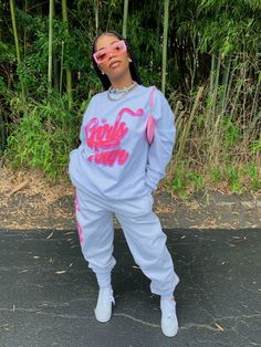 Queen De'arra showing you that casual can definetly be SEXY! Swag Outfits, Dope Outfits, Casual Outfits, Girl Outfits, Fashion Outfits, 2000s Fashion, Fashion Ideas, Uni Outfits, Tomboy Outfits
