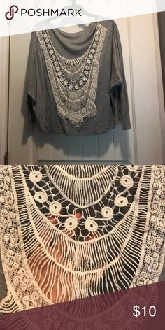 Grey Crop Top This top is perfect for fall! Pair with a little cami, jeans and boots! Tops Crop Tops