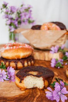 La asaltante de dulces: Receta de donuts glaseados/ Glazed donuts recipe. Yummmy!