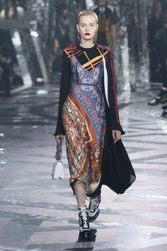 루이 비통 공식 한국 웹사이트 - 컬렉션 만나보기