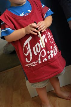 T-shirt Painters Smock Tutorial- for Adam when he goes to preschool
