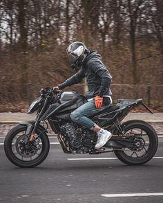 Motorcross Bike, Motorcycle Dirt Bike, Cafe Racer Motorcycle, Duke Bike, Ktm Duke, Custom Street Bikes, Riders On The Storm, Bike Photography, Cafe Racer Bikes