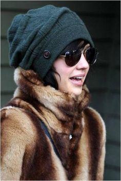 86e1b9e6a6e How to wear beanie hat in winter