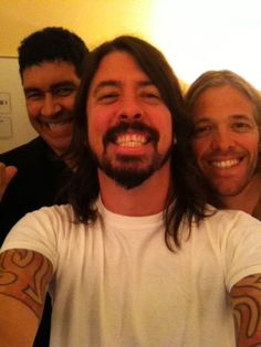 Dave Grohl, Taylor Hawkins and Pat Smear of Foo Fighters...great smiles!