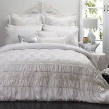 Queen Size Bed Duvet Doona Quilt Cover Set TIAMO PEARL Platinum Logan and Mason