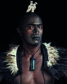 Mujer maorí. Nueva Zelanda  La larga y fascinante historia de los indígenas maoríes se remonta al siglo XIII, en la patria mítica Hawaiki, e...