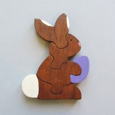 Learn how to make this cute wooden Easter bunny puzzle for little ones. Easy step-by-step tutorial with photos.