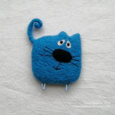Felt crafts - how creative are you? Fabric Brooch, Felt Brooch, Felt Fabric, Fabric Art, Easy Felt Crafts, Cat Crafts, Needle Felted Animals, Felt Animals, Wet Felting