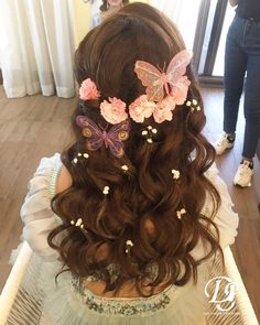 Sweet 16 Hairstyles, Quince Hairstyles, Pretty Hairstyles, Hairstyle Ideas, Hair Ideas, Simple Bridal Hairstyle, Indian Bridal Hairstyles, Bride Hairstyles, Wedding Hairstyle