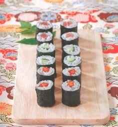 """La chef Yuki Gomi svela nel libro """"Sushi a casa mia"""" i segreti della preparazione a base di riso, alghe, pesce, uova o verdura più amata in occidente"""