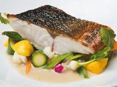 Lubina asada a la tailandesa de Jordi Cruz Pasta Al Curry, Chefs, Fish And Seafood, Steak, Pork, Restaurant, Chicken, Barbacoa, Queso