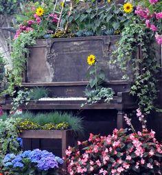 The Argument About Whimsical Garden Decor – nothingideas China Garden, Garden Art, Garden Design, Herb Garden, Buchart Gardens, Painted Pianos, Flower Aesthetic, Wooden Garden, Frames On Wall