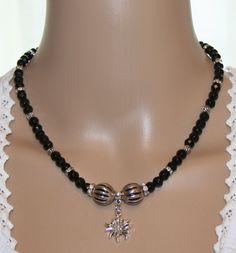 Perlenkette mit Edelweiß von Edelweiss51 auf Etsy