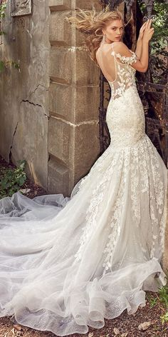 Modest Tulle & Lace Spaghetti Straps Neckline Mermaid Wedding Dresses With Beaded Lace Appliques