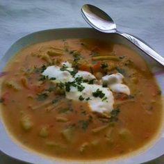 Palócleves csirkehússal Recept képekkel - Mindmegette.hu - Receptek Kfc, One Pot Meals, Cheeseburger Chowder, Thai Red Curry, Pesto, Soup, Ethnic Recipes, Projects, Log Projects