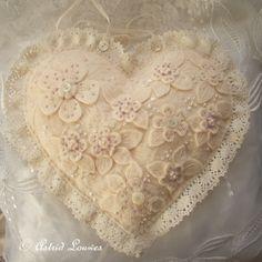 Felt heart in white