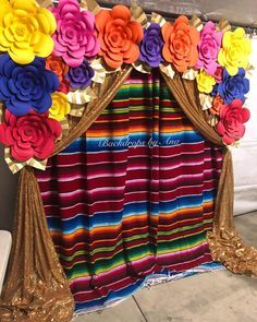 Fiesta Backdrop with Zarape and Gold Sequin Drape 🎊🎉🎊🎉 Backdrop can be used for dessert table or photo booth🎉🎊🎉🎊🎉🎊. Mexican Theme Baby Shower, Mexican Fiesta Birthday Party, Fiesta Theme Party, Festa Party, Mexican Fiesta Cake, Quinceanera Decorations, Quinceanera Party, Mexican Themed Weddings, Mexican Party Decorations