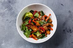This quick chicken (or tofu) stir fry is a part of Dr. Veggie Stir Fry, Chicken Stir Fry, Last Minute, Healthy Eating Recipes, Cooking Recipes, Healthy Meals, Cooking Ideas, Healthy Cooking, Healthy Food