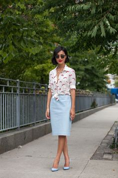 her Dailey Style: work outfit: dandelion top + pencil skirt Blue Heels Outfit, Blue Skirt Outfits, Pencil Skirt Outfits, Blue Pencil Skirts, Red Heels, Summer Outfits, Light Blue Heels, Light Blue Skirts, Gary Pepper Girl
