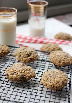 Easy Oatmeal Raisin Cookie Recipe 6 Ingredients- Baker Bettie
