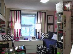 Great ideas!  Won't harm surfaces, but you still get to have that decorated look you want...   #Dorm Room Decorating
