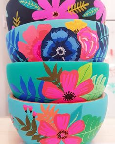 Painted Plant Pots, Painted Flower Pots, Pottery Painting Designs, Paint Designs, Diy Arts And Crafts, Diy Crafts, Kitsch, Projects To Try, Decoration