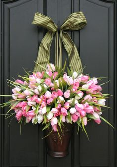 Beautiful door decoration idea