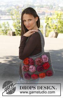 """Sac feutré DROPS au tricot , avec roses feutrées au crochet , en """"Eskimo"""". ~ DROPS Design"""