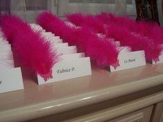 Les marques places - Marque place a faire sur du papier pollen blanc avec plume rose fushia et perle