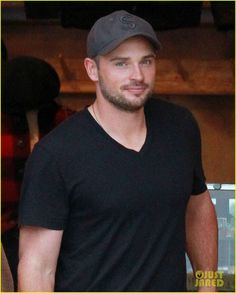 Tom Welling - handsome in a cap