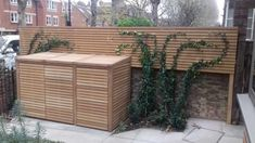 Iroko slatted panels with matching triple bay binstore - Garden İdeas Natural Front Driveway Ideas, Driveway Fence, Driveway Design, Driveway Landscaping, Fence Ideas, Patio Ideas, Yard Ideas, Back Garden Design, Garden Landscape Design