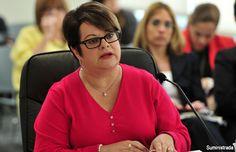 Aceptan no hay evidencia de irregularidades contra pasada secretaria de la Familia