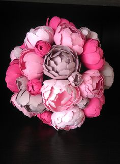 #paperflorist #paperartist #peony #paperpeonies #paperflowers #pinkflowers #pinkpeonies #paperbouqet #handmadepaperflowers #customflorartistry #flowerart #spring #springflowers #DlightPeonies Paper Peonies, Pink Peonies, Peony, Paper Flowers, Paper Artist, Spring Flowers, Fun Things, Flower Art, Rose