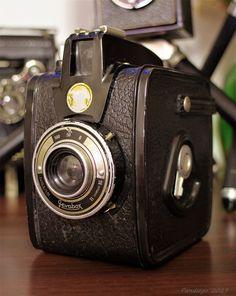 Geva Box (Gevaert) - 120 film, 6x9cm exposures, eye-level viewfinder camera (c1955-1959)